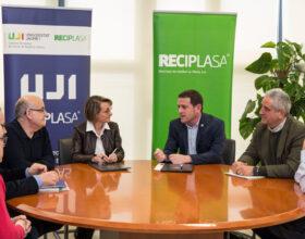 La UJI y Reciplasa renuevan el convenio de la Cátedra de Gestión de Residuos  Urbanos