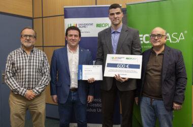 El estudiante de la UJI Ionut-Cristian Ilie gana el premio de la Cátedra Reciplasa al mejor TFM