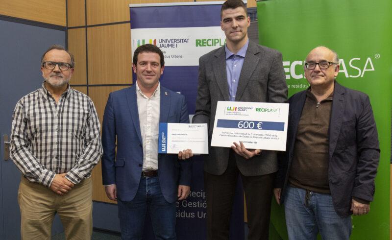 Ionut-Cristian Ilie gana el premio de la Cátedra Reciplasa al mejor TFM