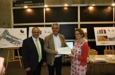 Visita de la consellera de Medio Ambiente al stand de Reciplasa en la Ecofira