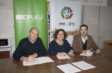Reciplasa y Fundació Tots Units firman un convenio de colaboración para prácticas