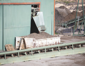 Reciplasa instala dos separadores balísticos para reducir los residuos que llegan al vertedero